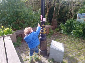 Vestry House Museum gardens - lamppost
